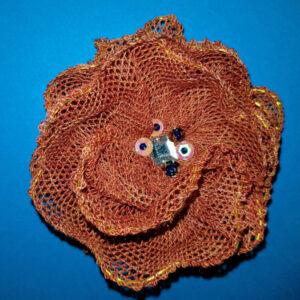broche fleur dentelle